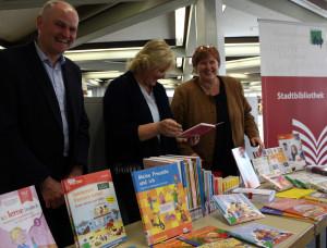 zzz Bücher für die Flüchtlingsarbeit